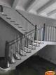 Деревянная лестница необычного вида