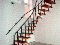 Больцевая лестница с дубовыми ступенями