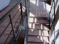 Прямая лестница на двух тетивах