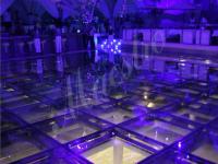 Стеклянные полы в клубе
