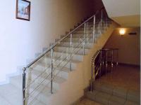 Хромированное ограждение лестницы
